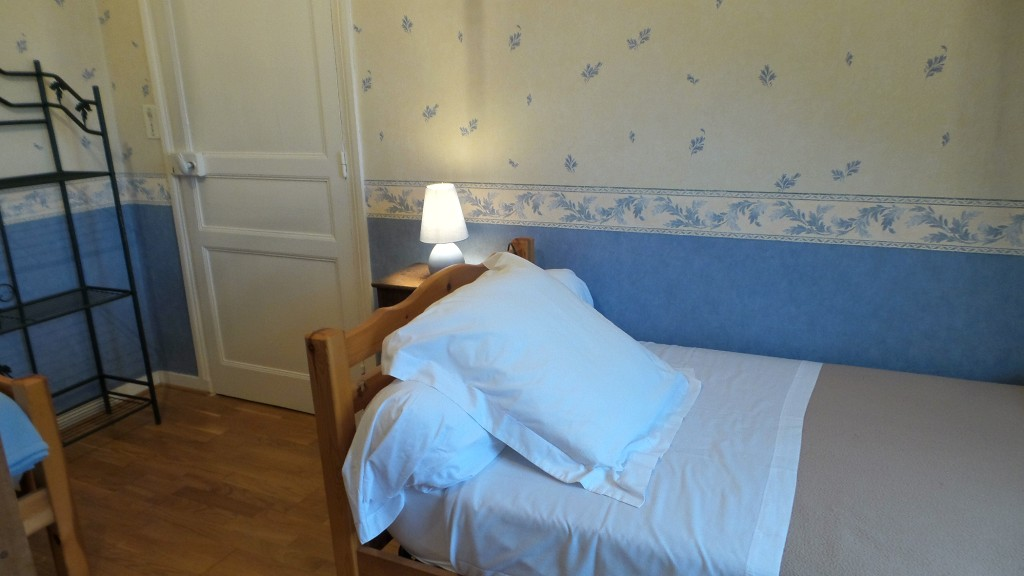 chambre l 39 heure bleue chambres d 39 h tes dinan. Black Bedroom Furniture Sets. Home Design Ideas